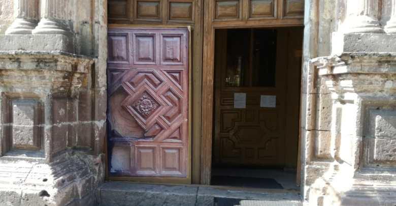 Aún en mantenimiento la puerta de Capuchinas