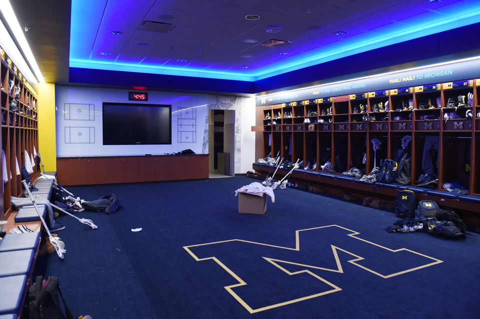 11University of Michigan lacrosse team locker room
