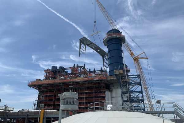 11Kiewit Power construction site exterior with orange crane