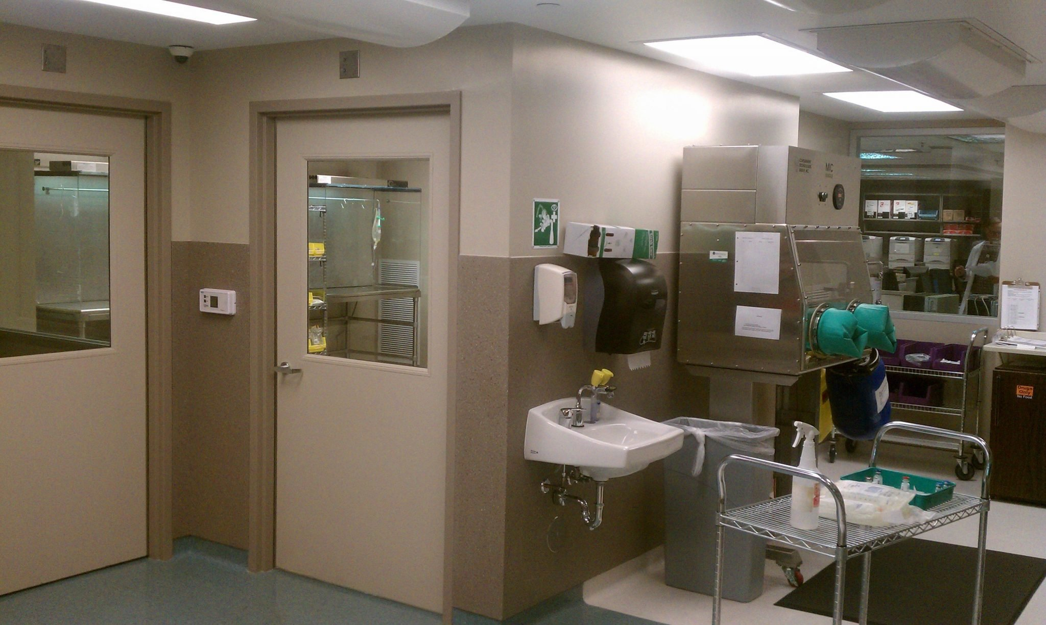 11Beaumont Hospital surgery clean-up room