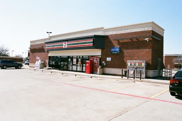 7-11 Convience Store - Dallas, TX