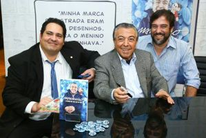"""Lançamento do Livro """"Maurício, a história que não está no gibi""""."""