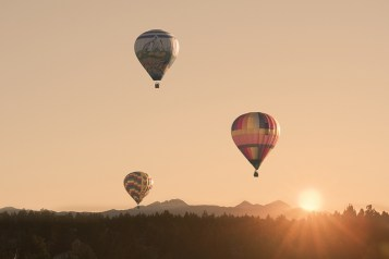 Balloons over Bend