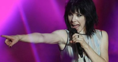 USA Today: Carly Rae Jepsen to play Carnival cruise ship