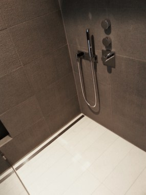 Shower with linear drain after renovation