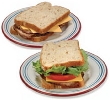 foto de dos sándwiches