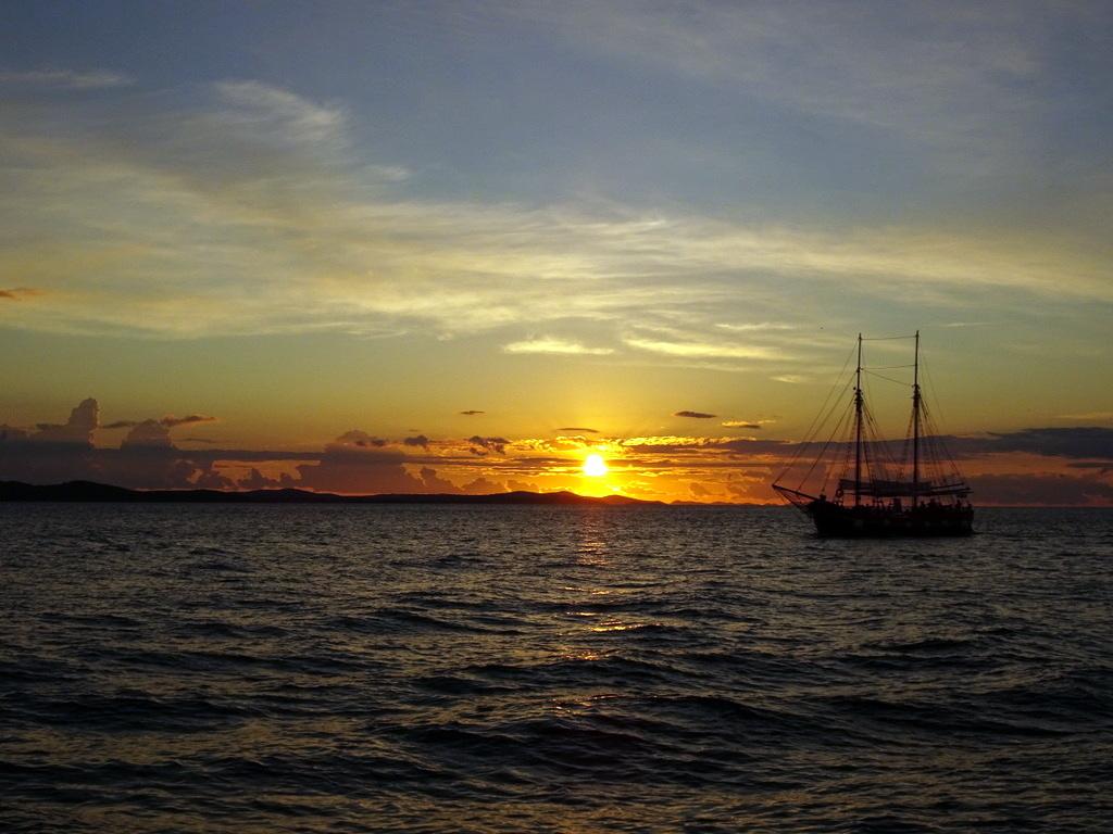 bateau sunset zadar