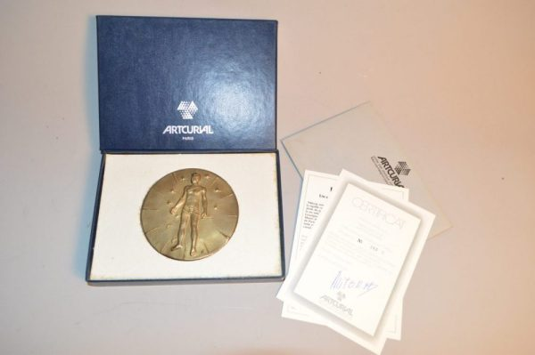 IGOR MITORAJ (1944-2014) ARTCURIAL - Médaille en bronze