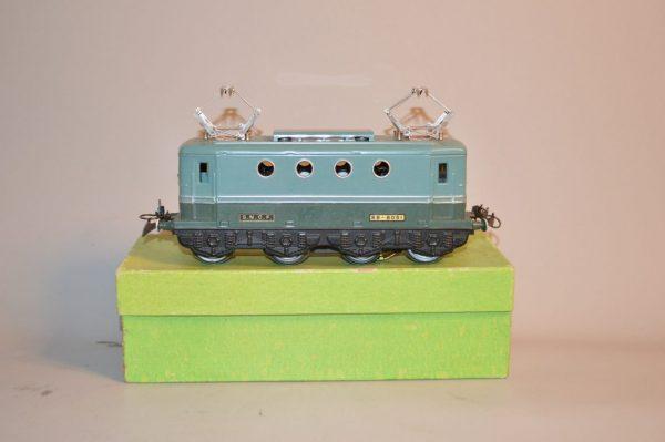 HORNBY: Locomotive BB-8051 SNCF