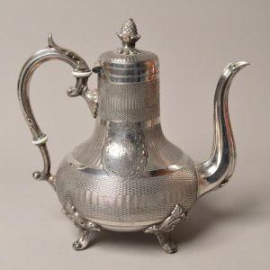 Grande cafetière ou théière en métal argenté XIX - Travaille Anglais
