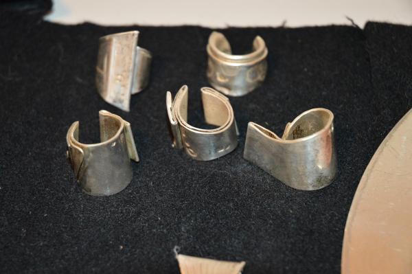 BERNARD BYGODT - Bijoux - argent - pendentif - bague - gravé - sculpté