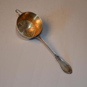 Passoire à thé de style Louis XV en Argent 950 et vermeil