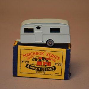 Matchbox Series - N° 23 BERKELEY CAVALIER Caravan - voiture miniature
