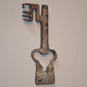 Clé / clef en fer forgé de fabrication Française. XVe Siècle