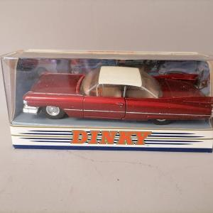 Matchbox Dinky Collection - Cadillac coupe de ville 1959 - Rouge 1:43
