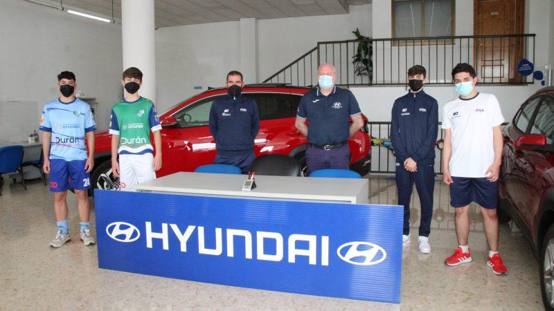 El equipo Cadete visita las instalaciones de su patrocinador Talleres Aguilera Hyundai
