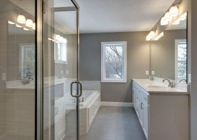 Hanstone Arete Granite Counter in Bathroom