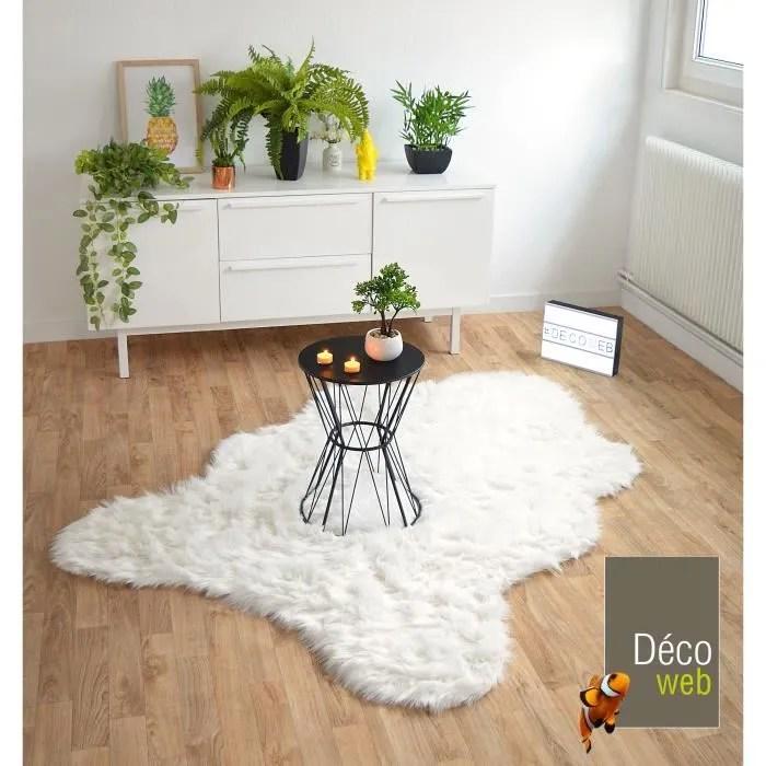 tapis peau de bete imitation ours white 160