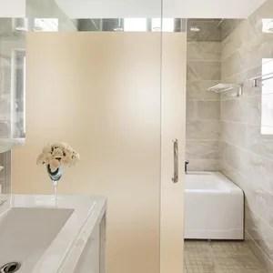 adhesif vitre salle de bain