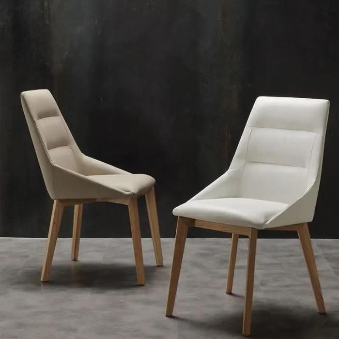 chaise scandinave blanche et bois clair