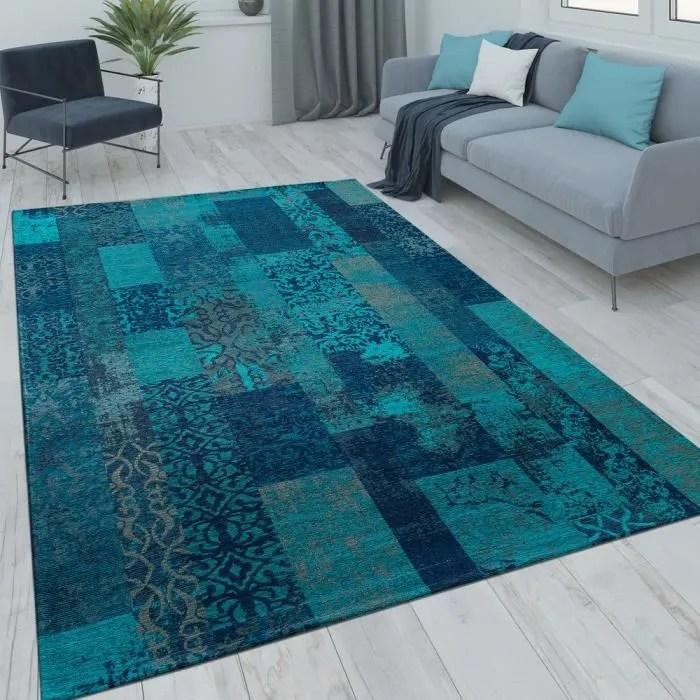 tapis poils ras patchwork salon moderne aspect vin