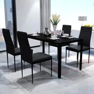 table et chaises pour la veranda