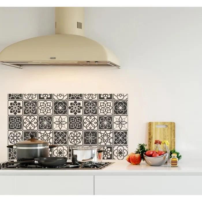 credence de cuisine adhesive en panneau composite aluminium carreaux ciments noir et blanc l 90 x h 50 cm