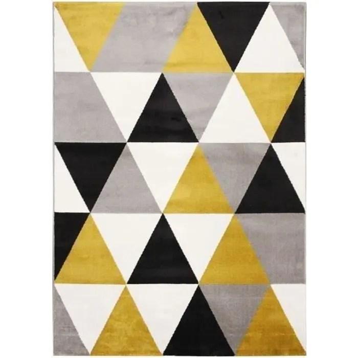 tapis de salon ton jaune a forme geometrique