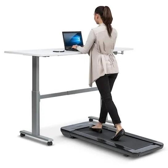 https www cdiscount com le sport fitness musculation yoga klarfit workspace go light tapis de course leger a f 1210411 kla4060656108532 html
