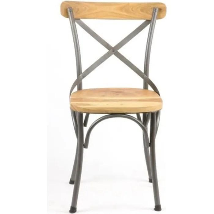 chaise de bistrot en bois et en fer au style industriel