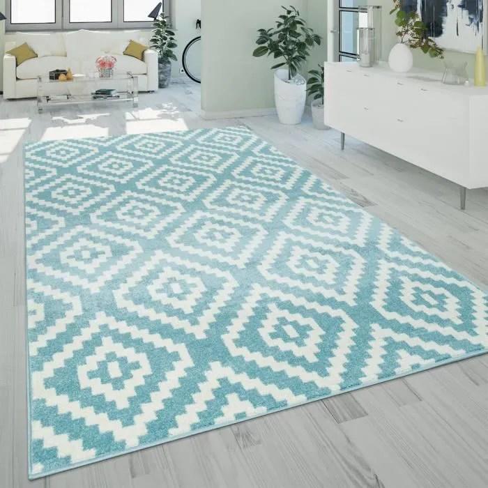 tapis a poils ras salon moderne geometrique motif