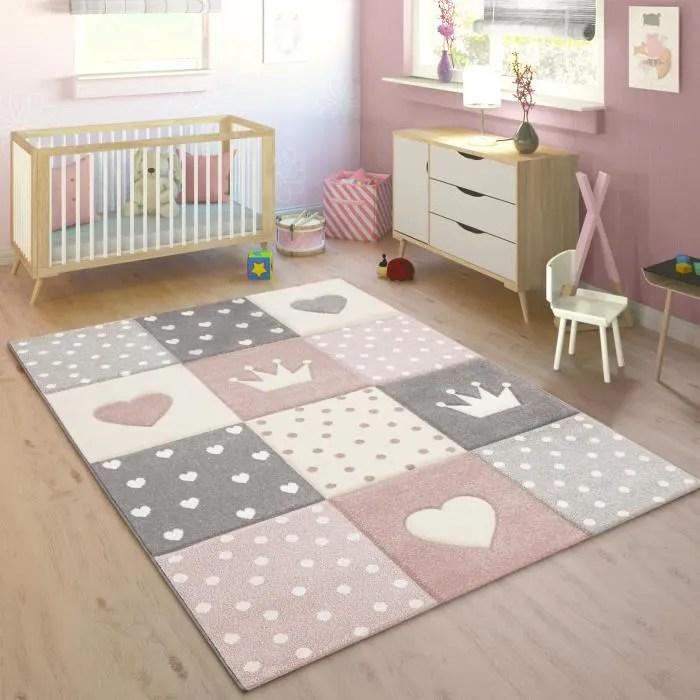 tapis enfant couleurs pastel a carreaux points cœu