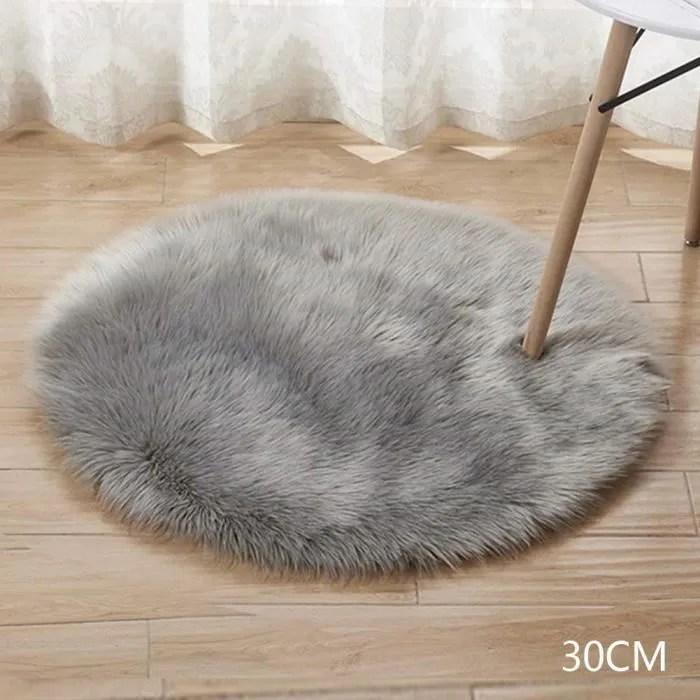 https www cdiscount com maison tapis tapis rond en fausse laine artificielle doux et mo f 11725 shl8478172676989 html