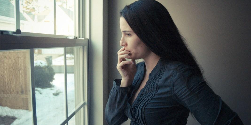 o-WOMAN-DEPRESSION-facebook.jpg