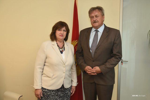 2017-07-18-Sastanak-ministarke-Marije-Vucinović-sa-ambasadorom-Slovenije-002.jpg
