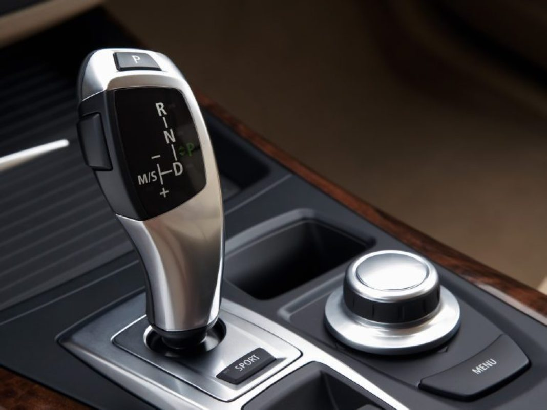 2007-BMW-X5-Gear-Shifter-1920x1440.jpg