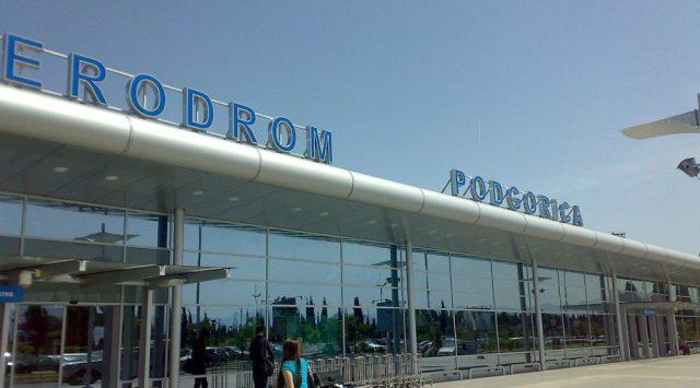 1200px-AerodromPodgorica-1000x555.jpg
