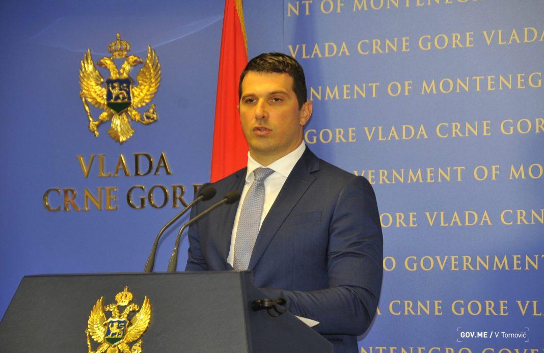 2018-07-27-Ministar-sporta-Nikola-Janovic-87.-sjednica-Vlade-003.jpg