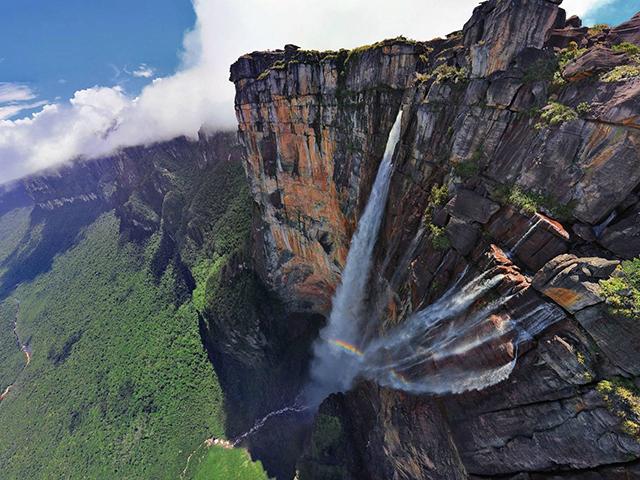 ejndzelov-vodopad-najlepsa-moguca-slucajnost-R10s-vFeh.jpeg