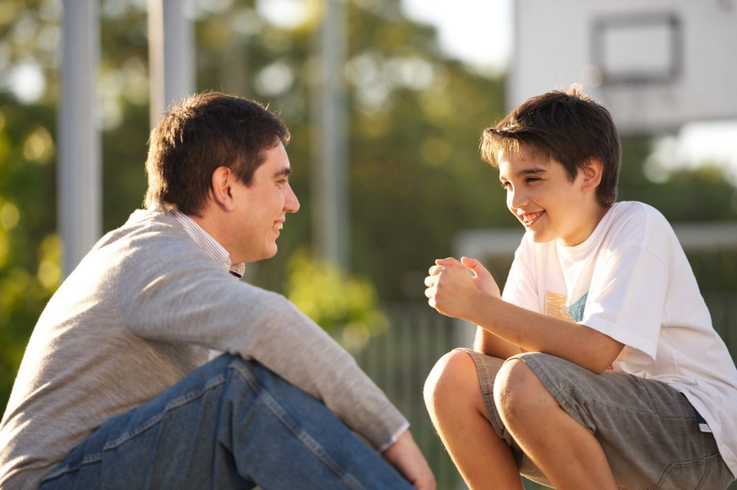father-son-talking-1081076-wallpaper.jpg