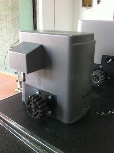 Automatismos puertas de garaje automaticas madrid for Motor puerta automatica