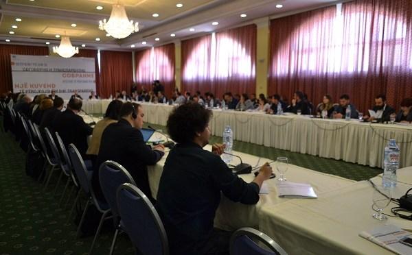 O odgovornom parlamentu u Skoplju