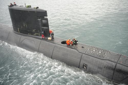 HMCS Victoria HOISTEX 7 Dec 2011