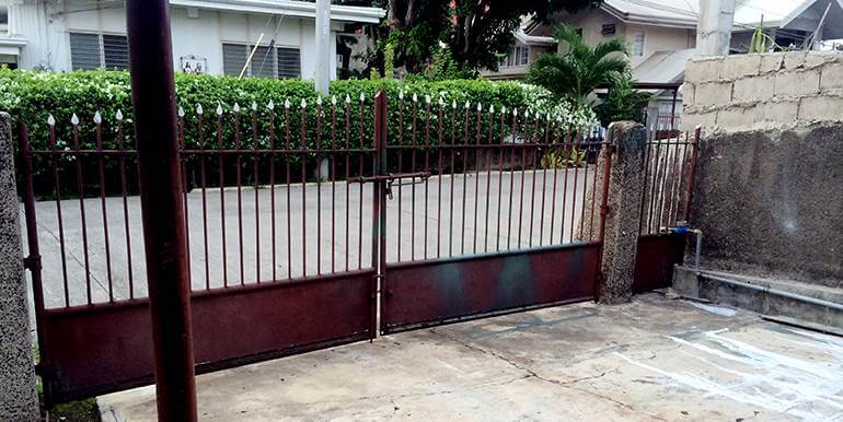 fully-furnished-bungalow-house-for-rent-guadalupe-heights-cebu-city (33)