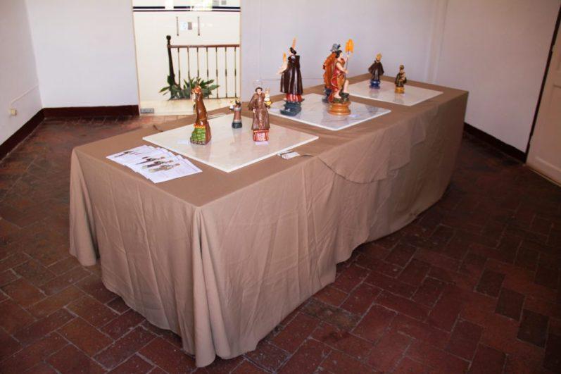 Bonecos-de-Estremoz-em-Tempo-de-Santos-Populares-Galeria-Aqui-dEl-Arte-Actividades-2016-04-1030x687