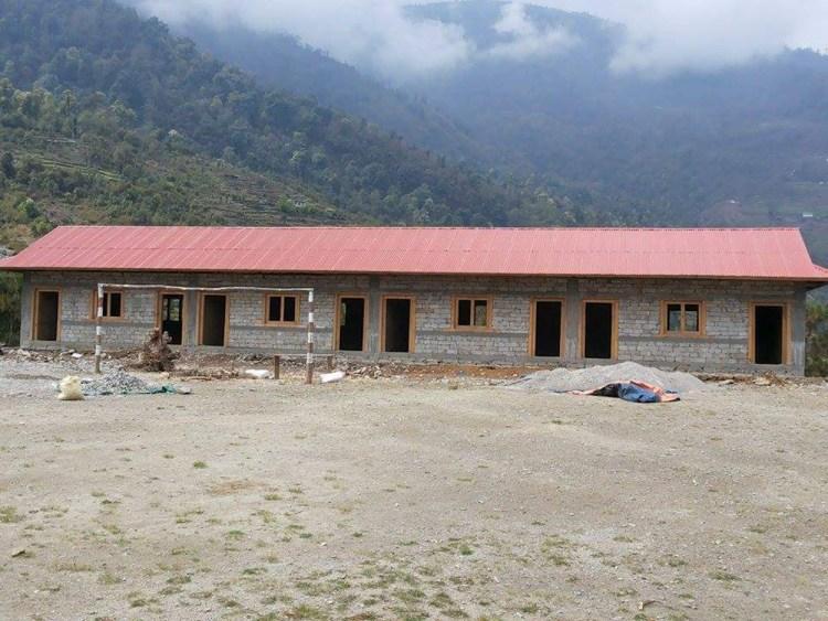 nunthala-nuova-scuola-con-nuovo-tetto
