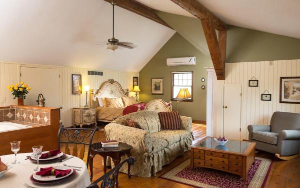 Kansas Bed and Breakfast *** Beautiful Inn Near Kansas ...