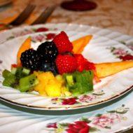 Cedar House Inn - fruit breakfast