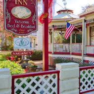 Cedar House Inn - Front Porch 02