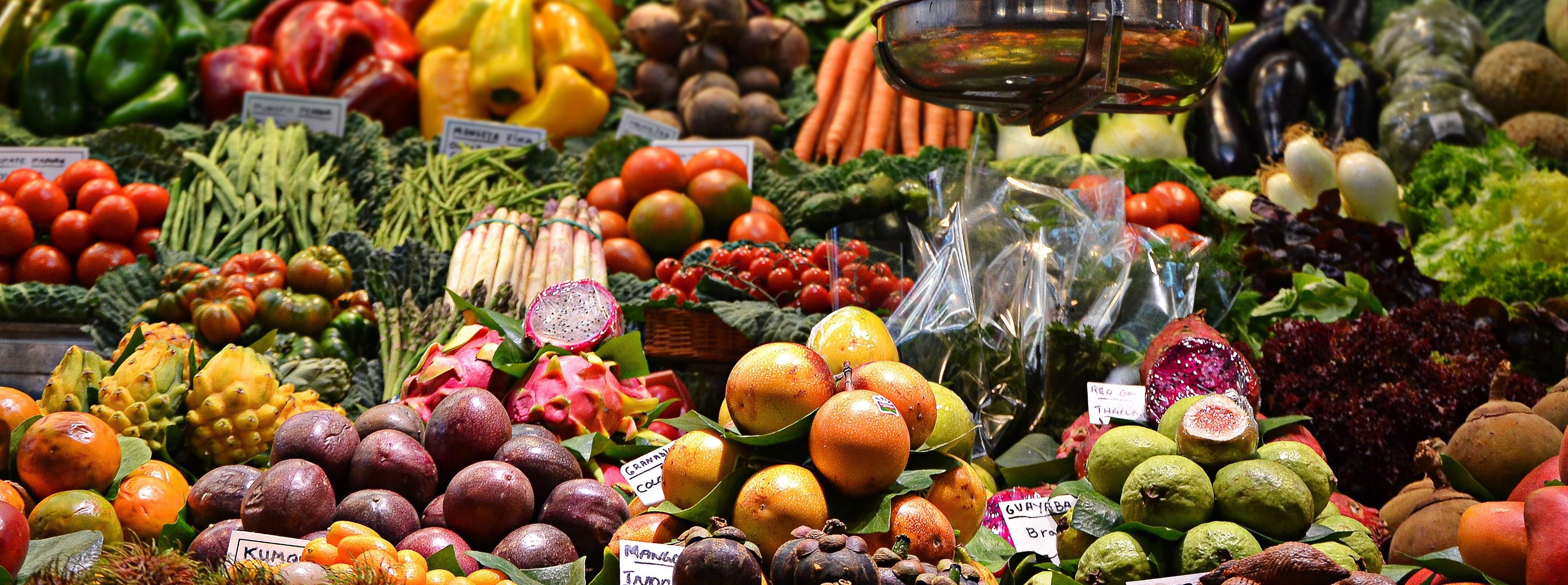 Dlaczego warto jeść warzywa i owoce sezonowe